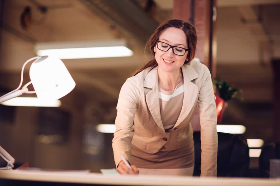 Beleuchtung, Arbeitsplatz, Mitarbeiterzufriedenheit, Büro, Mitarbeiter