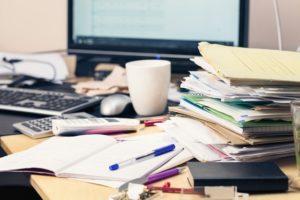 Umweltfreundlichkeit, Papierstapel, Chaos, Büro, papierloses Büro