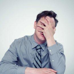 Mit diesen fünf Verhaltensweisen schaden Sie Ihrem Selbstbewusstsein. (Bild: © afxhome | stock.adobe.com) stock.adobe.com)