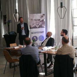 Christoph Schröder, Breakfast Event Nürnberg, Seminarraum, SafeStart Trainingsprogramm, Arbeitssicherheitstraining, Mitarbeitersicherheit verbessern, Verletzungen reduzieren, Arbeitsunfälle vermeiden
