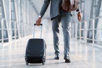 Lässt sich Stress bei Geschäftsreisen wirklich vermeiden? (Bild: © Prostock-studio / stock.adobe.com)