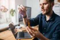 Die sogenannten CBD-Produkte werden immer populärer und haben nach aktuellem Stand sogar positive Auswirkungen auf Körper und Geist. (Bild: © Girts | stock.adobe.com)